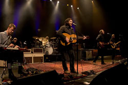 Jeff Tweedy and Wilco perform a five-night stand in their home town of Chicago. The group was starting a tour in support of Grammy-nominated Sky Blue Sky.